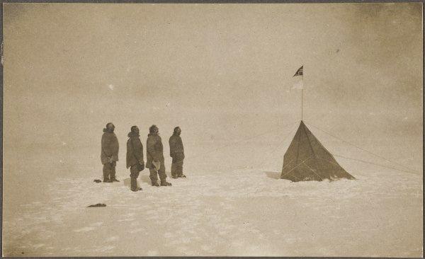 Men reaching the south pole